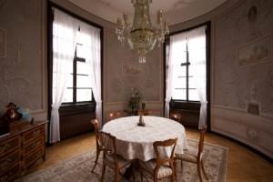 Lustr v luxusním interiéru
